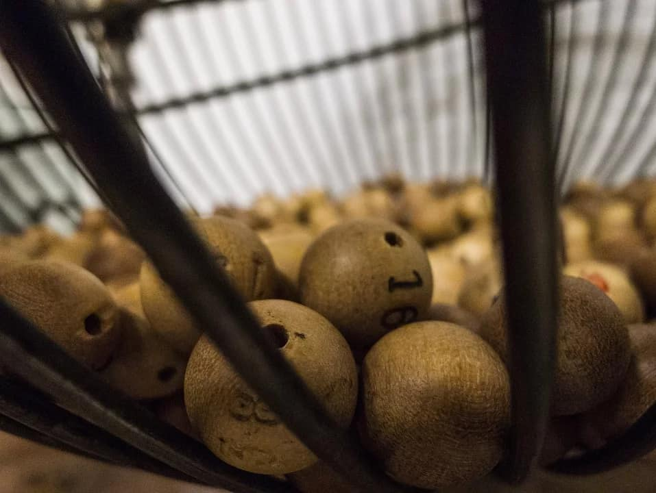 bingo calling numbers - balls